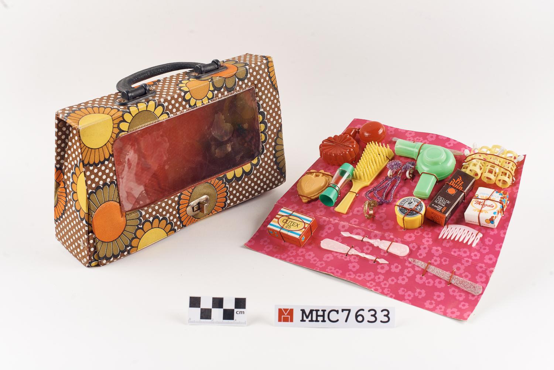 MHC7633_B