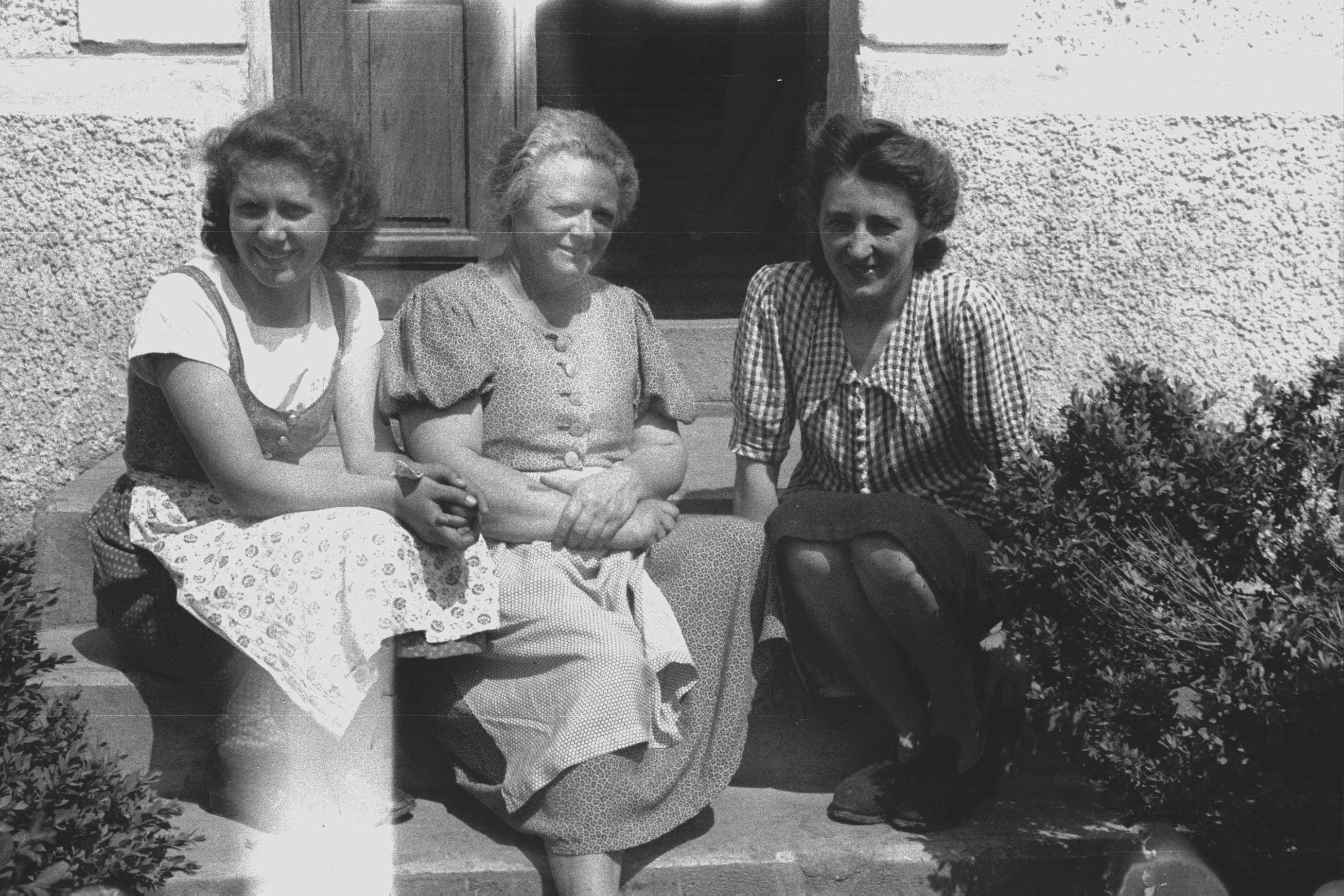 Anna Pointner i les seves filles