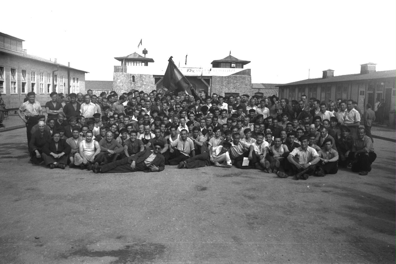 Grup de republicans supervivents a l'Appellplatz